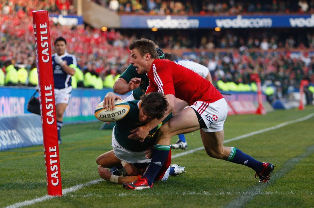 Jacque Fourie scores a try for South Africa against the British and Irish Lions