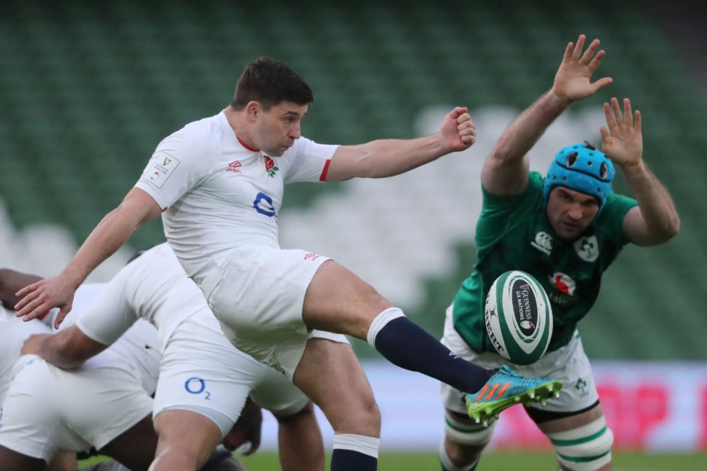 Ireland's Tadhg Beirne attempts to charge down England scrum-half <a href=