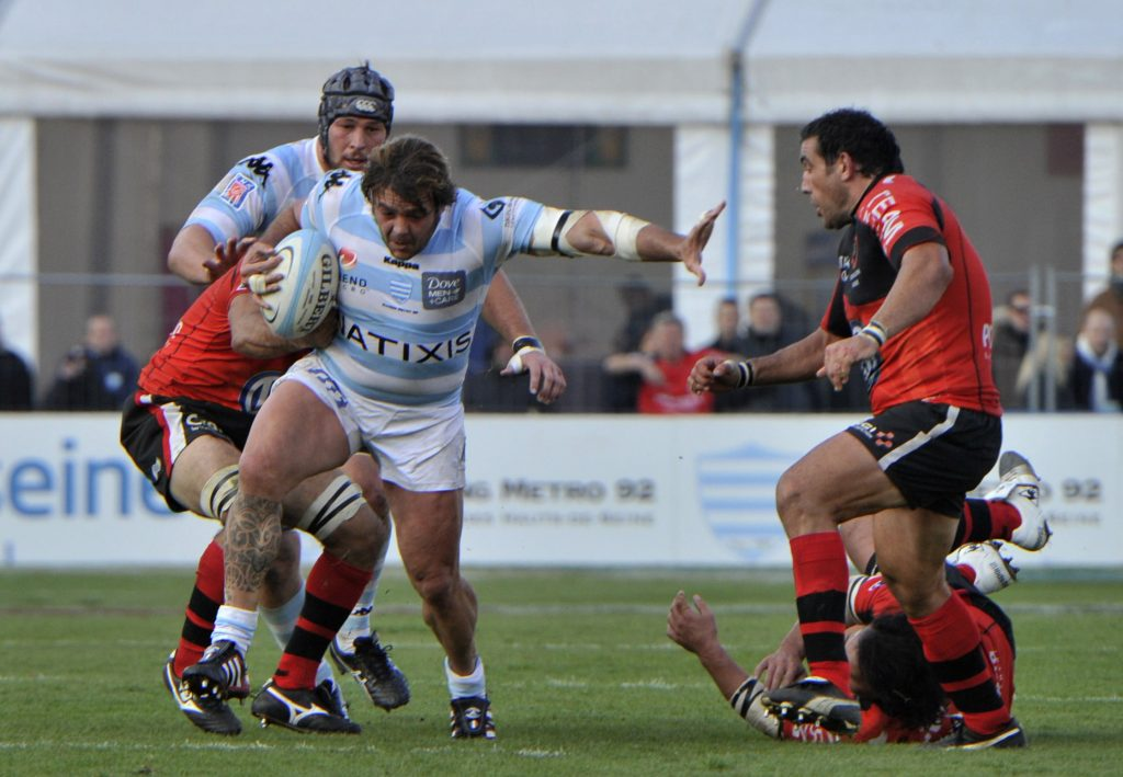 Andrea Lo Cicero carries ball for Racing 92